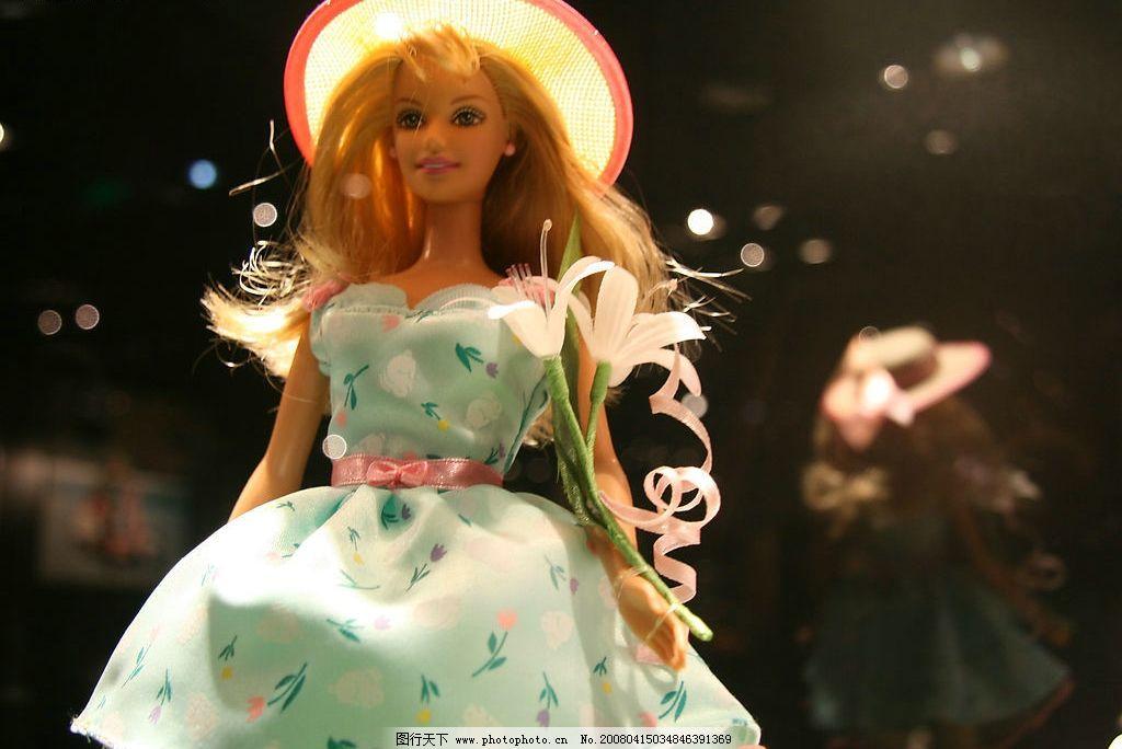 芭比娃娃 漂亮的芭比 自然景观 自然风景 桃花 摄影图库 72 jpg