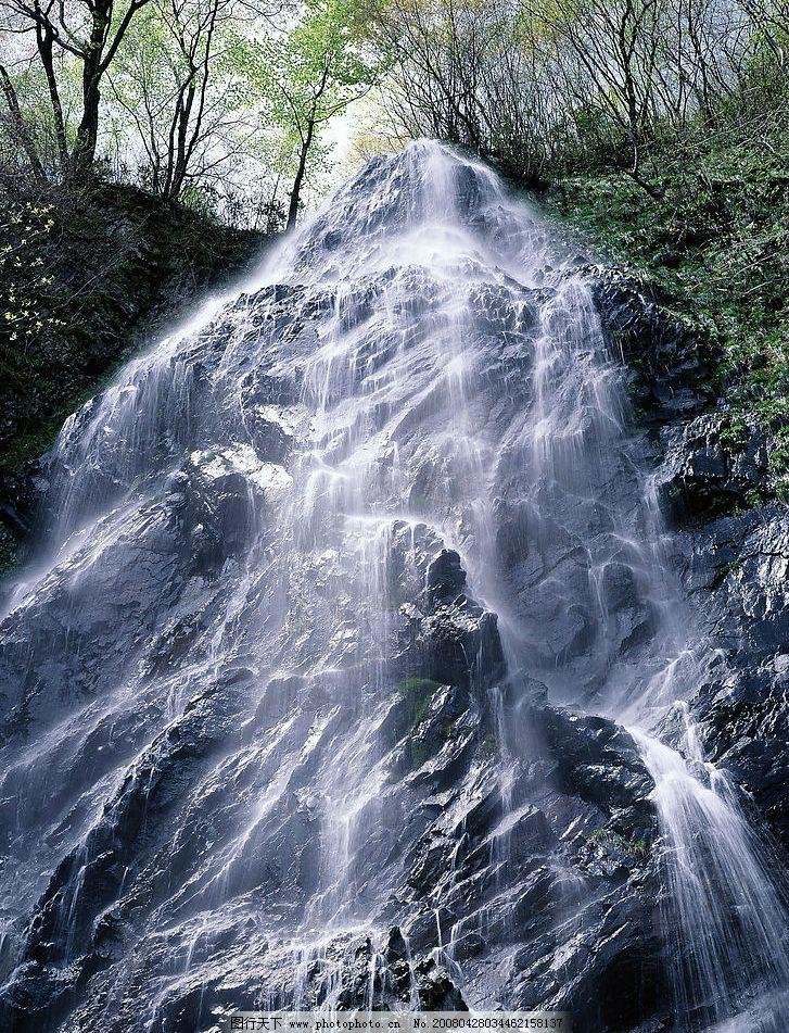 高清风景照清溪自然瀑布图片