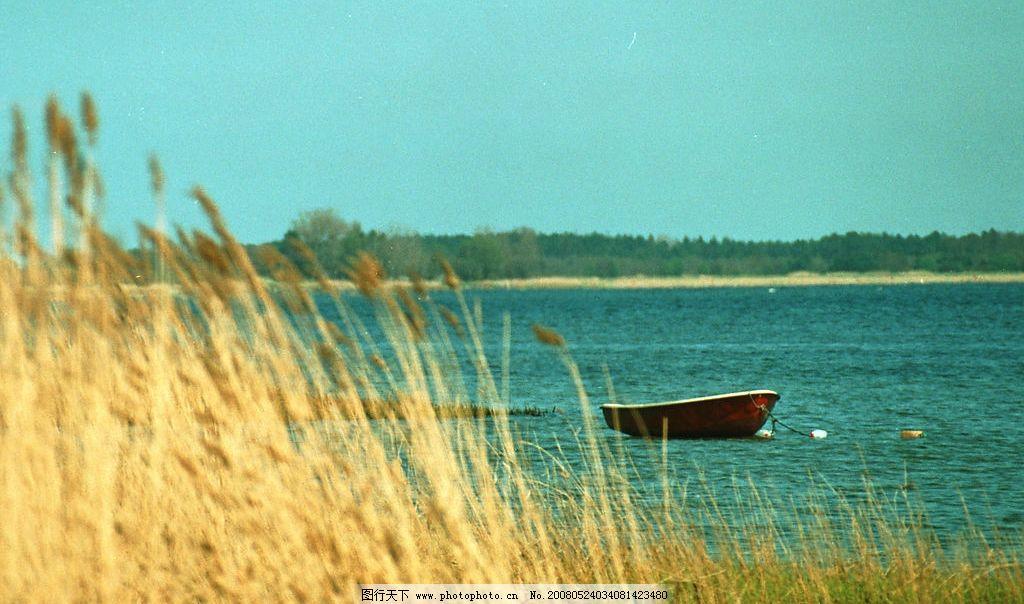 小船 湖畔 意境 风景 旅行 旅游 旅游摄影 国外旅游 摄影图库