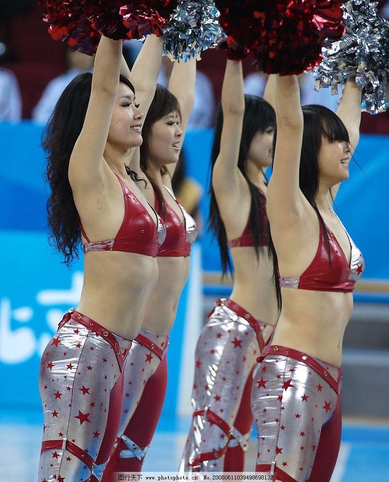 啦啦队 美女 少女 紧身衣 花簇 体育舞蹈 微笑 性感 肚皮 胸罩图片