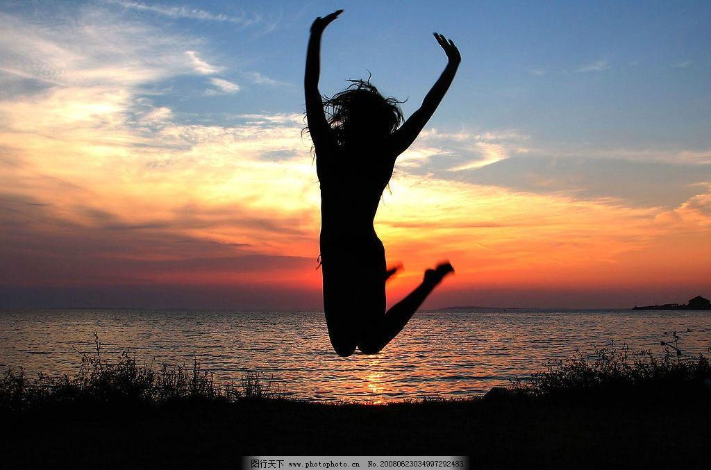广告 大海 海边 日落 日出 美女 飞跃 异影 小鸟 招贴 海报